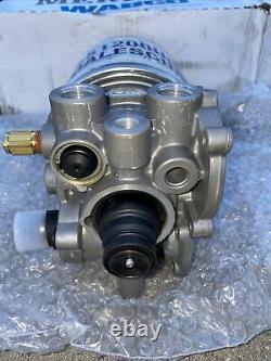 Meritor Wabco Air Dryer Assembly OEM Part R955082